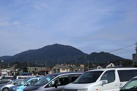 太宰府駐車場の車