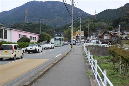 豆塚駐車場前