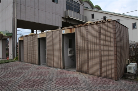 福吉駅の公衆トイレ