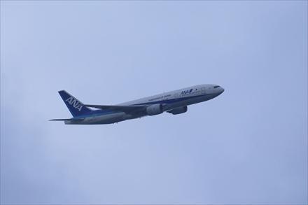 舞鶴公園から見える飛行機