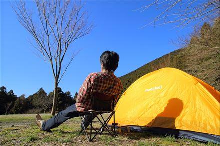テントを張ってのんびり