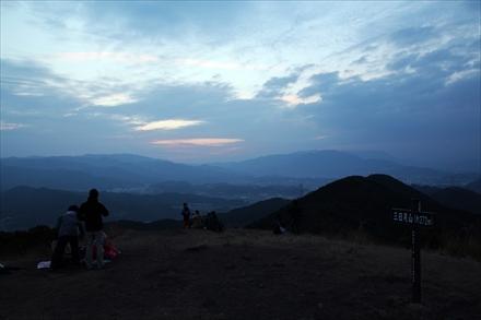 三日月山の早朝