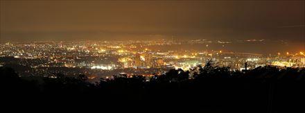 三日月山からの福岡市の夜景