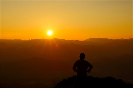三日月山のご来光