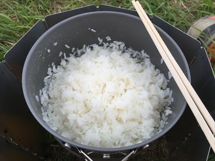 白米を蒸らす