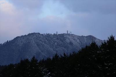 積雪の若杉山