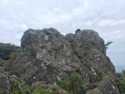 開聞岳山頂の岩