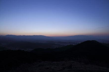 日の出前の久山方面