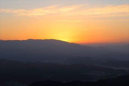 三日月山から見える日の出