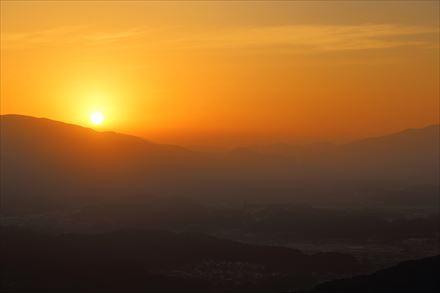 三日月山から見える朝焼け
