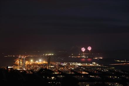福岡三日月会からの花火