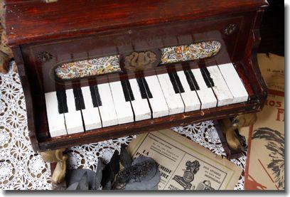 トイピアノ アンティーク