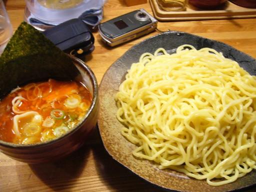 辛味つけ麺 大盛り(¥680) + 特製水餃子(¥100)