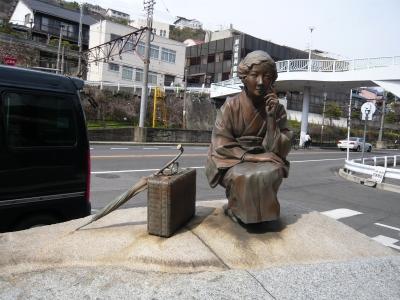 林芙美子銅像