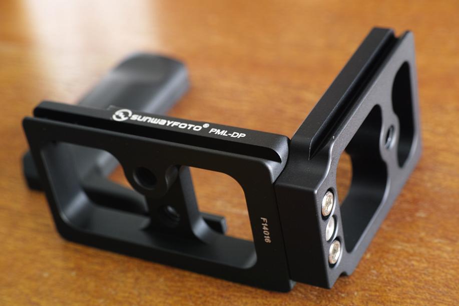 SUNWAYFOTO社の PML-DP カスタムLブラケット