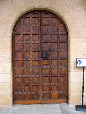 ベルベル場内部屋の扉