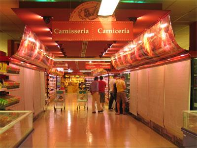 メルカドーナの肉売り場