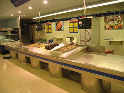 メルカドーナの魚売り場