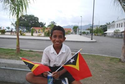 国旗と男の子