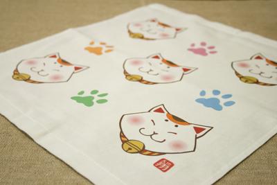 招き猫のタオル