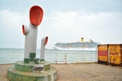 博多埠頭 ベイサイドプレイス