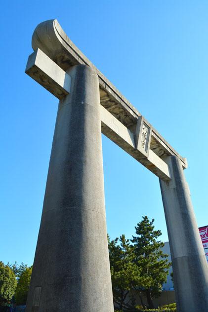 福岡市東区、筥崎宮大鳥居、解体
