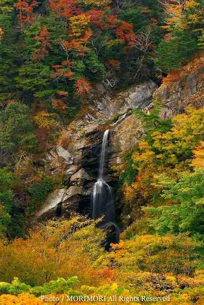 高千穂町 竜ヶ岩の滝 02 (拡大あり)