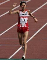 世界陸上女子マラソン、3位でゴールした土佐礼子