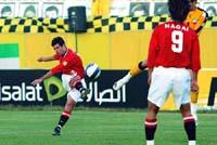 前半、先制ゴールを決める浦和のポンテ(7日、イラン・イスファハンで)