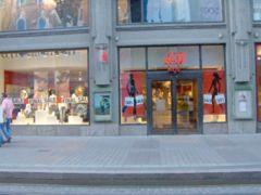 H&M店舗の例 (フィンランド・ヘルシンキ)