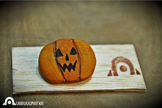 AVARUUSMATKA.ブローチ.ハロウィンかぼちゃ