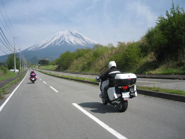 富士山バックに