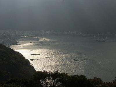朝の戸田の海