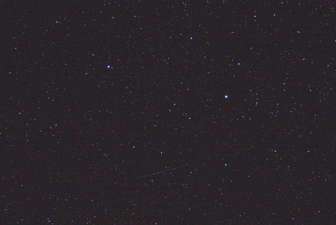 デネボラと土星と暗い群流星