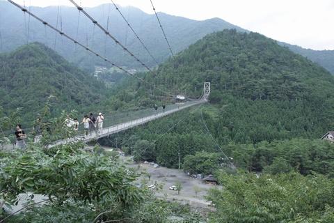 谷瀬のつり橋(全景)