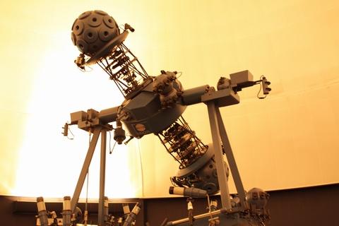 星のくにのプラネタリウム投影機