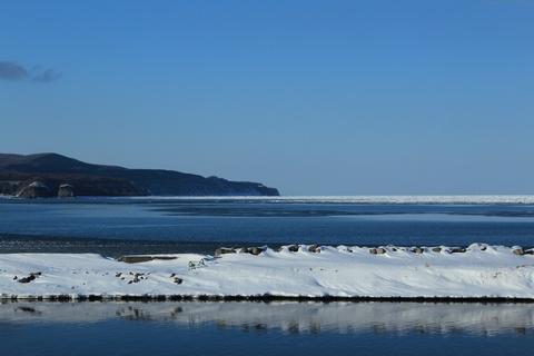 遠くの流氷