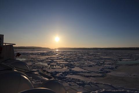 太陽と流氷2