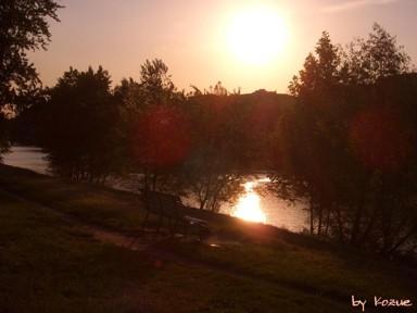 La panchina al sole del tramonto