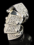 DIAMANTE ARMOUR RING