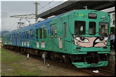 伊賀鉄道 忍者列車(緑)