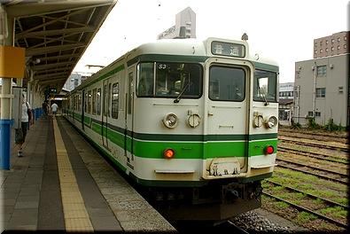 柏崎駅 115系