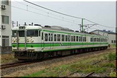 東柏崎駅 115系