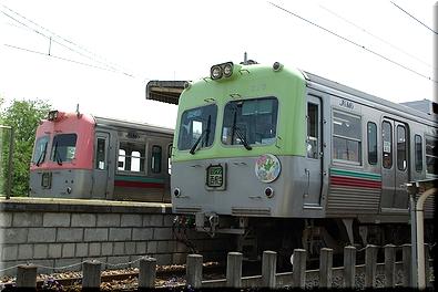 上毛電鉄 心臓血管センター駅 列車交換