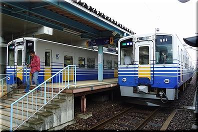 えちぜん鉄道 新福井駅 交換風景