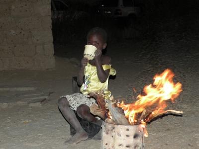 国内避難民の少女