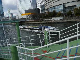 水上バスの船