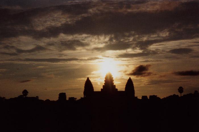 200009アンコールワットの朝焼け@カンボジア