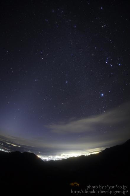 ダイヤモンドと黄道光と流星