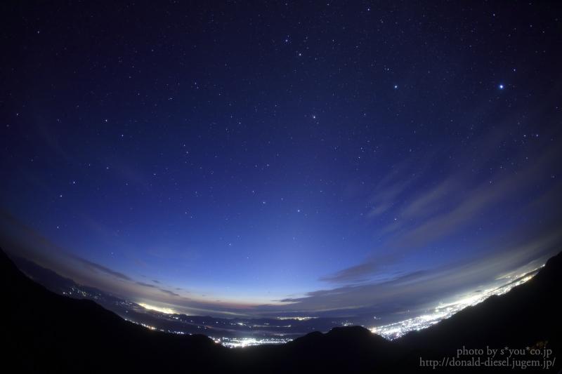 夜明けの星景色